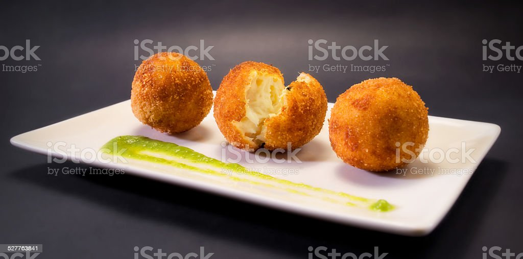 Creamy and smooth fried croquettes. Typical Spanish tapa.​​​ foto