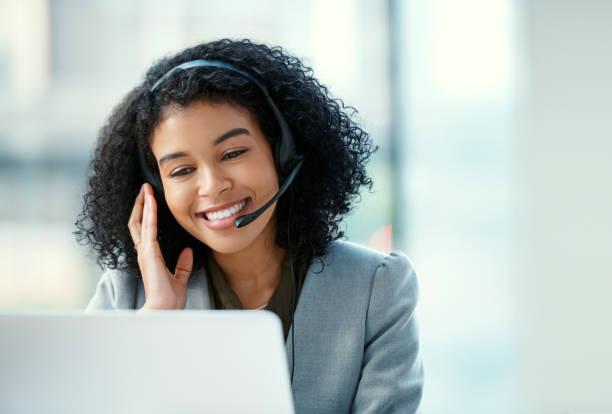 創造快樂的客戶讓她微笑 - 客戶服務員 個照片及圖片檔