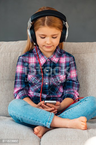 istock Creating new playlist. 511523932