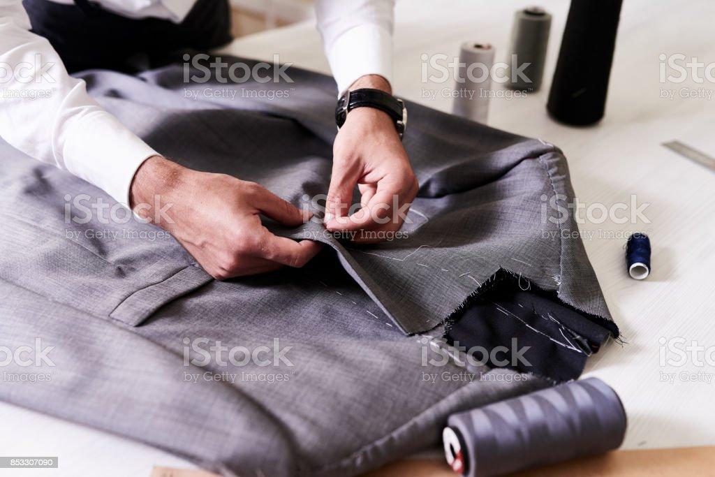 Erstellung von stilvollen männlichen Jacke – Foto