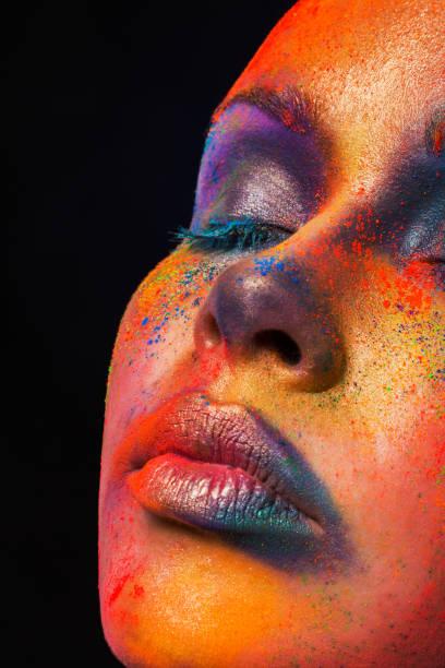 kreative kunst des make-up mode model closeup portrait - indische gesichtsfarben stock-fotos und bilder