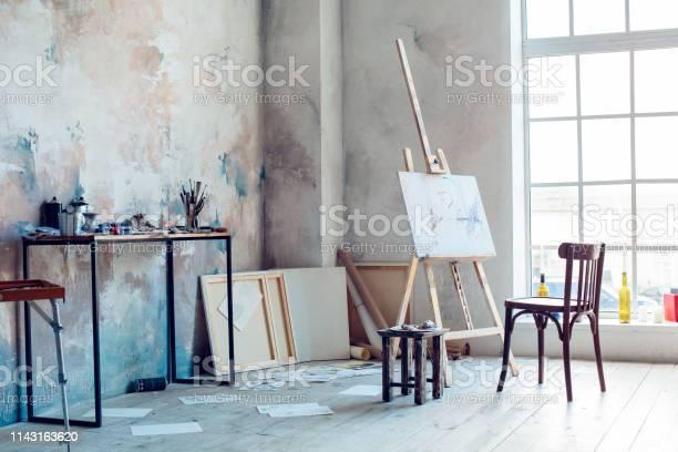 Creative artist workplace room no people hobby picture id1143163620?b=1&k=6&m=1143163620&s=612x612&h=y2u9nzo5tk30kfczddrckuxmzefu3x9e4jd c0  29k=