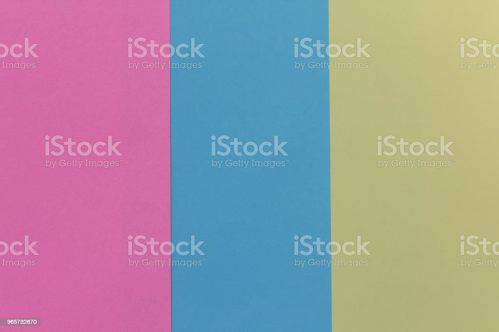 De achtergrond van de creatieve geometrische papier. Roze, blauw, geel, pastel kleuren. Abstractie. Sjabloon. - Royalty-free Achtergrond - Thema Stockfoto