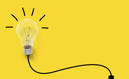 istock Creative thinking ideas brain innovation concept. Light bulb on yellow background 959024816