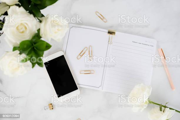 Creative woman working desk picture id926312094?b=1&k=6&m=926312094&s=612x612&h=lfnj0ckigpbdzjlt5vuveebtztvxh6tb35g virxwgy=