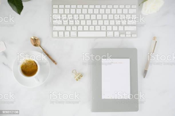 Creative woman working desk picture id926312136?b=1&k=6&m=926312136&s=612x612&h=xeo7dulabvm7lrisqf2j5k1epce325yevtxlvhsl6hg=