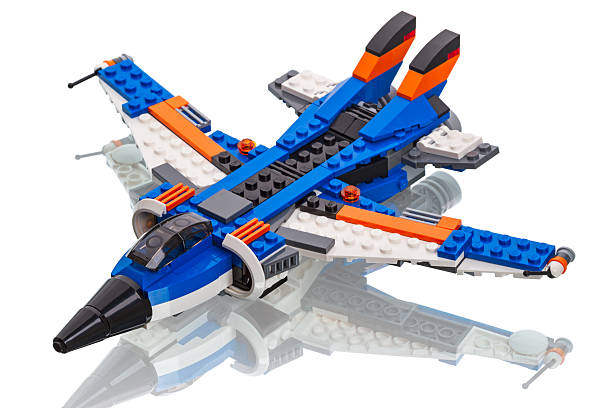 lego-ersteller-jet-flugzeug - lego flugzeug stock-fotos und bilder