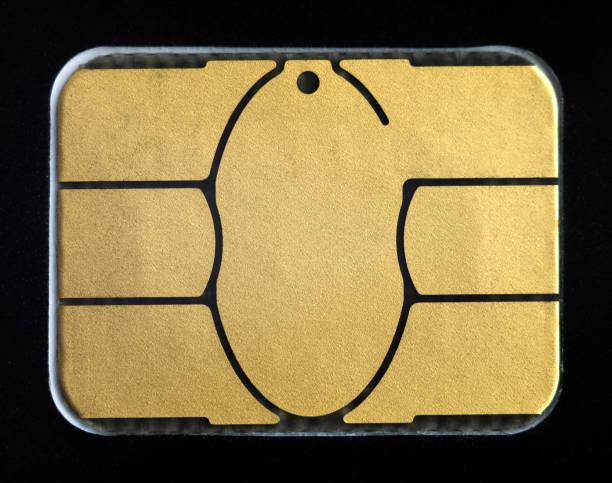 credit card electronic chip. extreme close-up. - chip komputerowy zdjęcia i obrazy z banku zdjęć