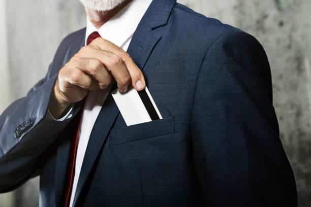 Kreditkarte in der Tasche – Foto