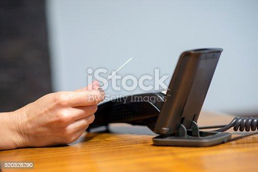 914593772istockphoto Credit card machine payment 520328290