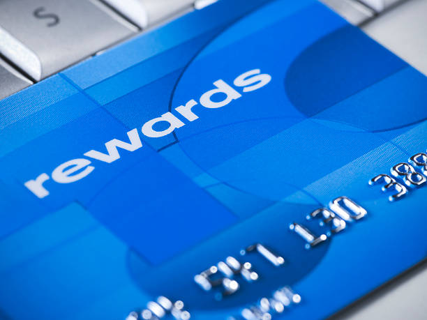 kreditkarte online kaufen - belohnung stock-fotos und bilder