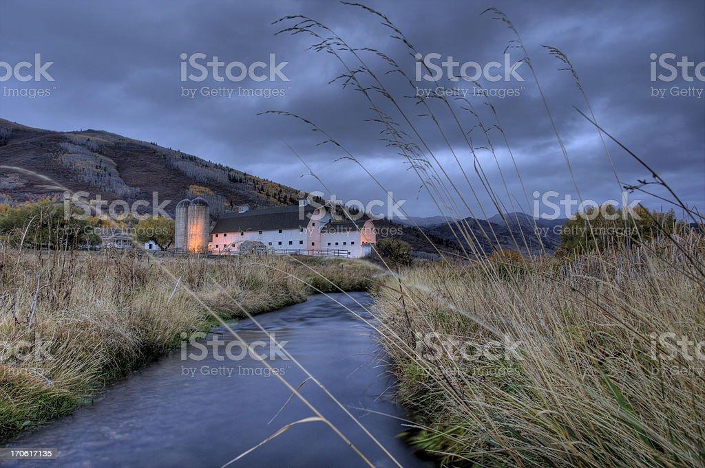 Creek et Grange - Photo