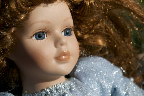 escalofriante doll - muñeca bisque fotografías e imágenes de stock