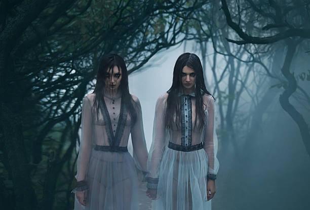 Kostenlose Bilder von jungen Gothic Girls — foto 2
