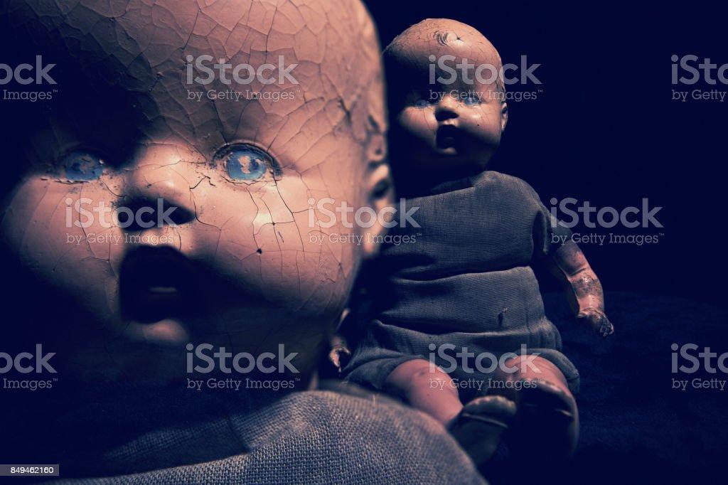 Assustador antigas bonecas do bebê - foto de acervo