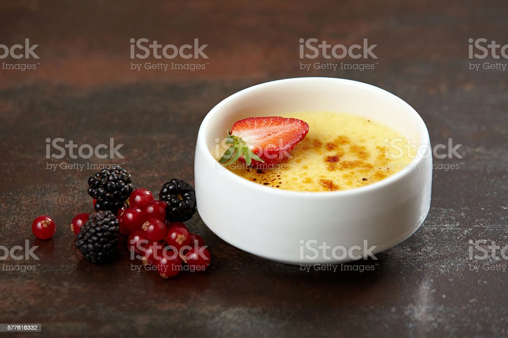 creme brule dessert stock photo