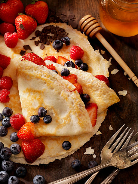 crepes with fresh berries - crepe bildbanksfoton och bilder
