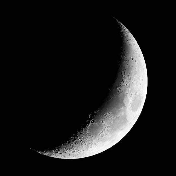 crescent luna nueva (fotografía) - medias lunas fotografías e imágenes de stock