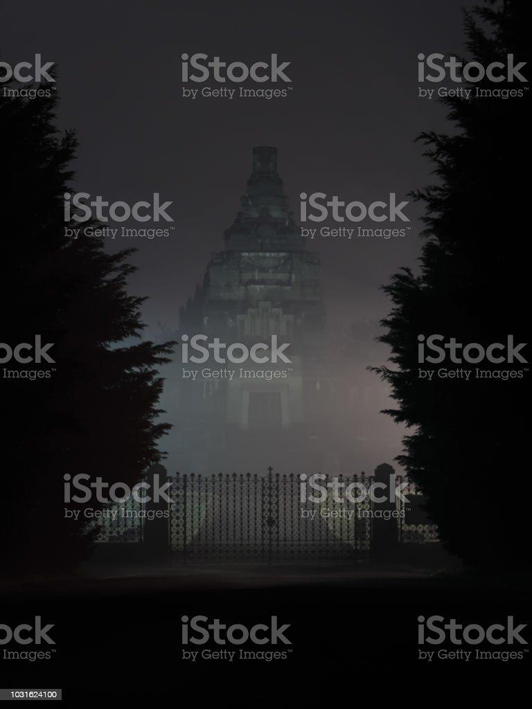 Crespi d'Adda Cemetery by night 3:4 - Foto stock royalty-free di Ambientazione esterna