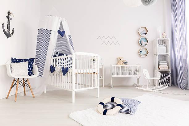 crib with canopy - nautisches schlafzimmer stock-fotos und bilder
