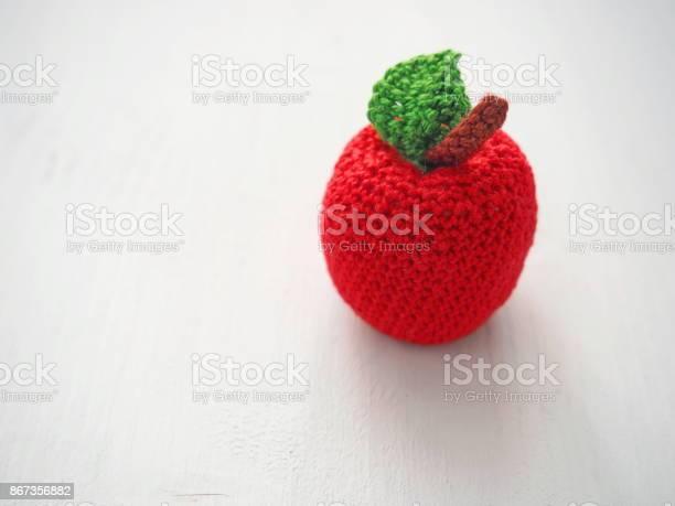 Crochet apple close up picture id867356882?b=1&k=6&m=867356882&s=612x612&h=ygppzpqrgiimapdll2hgqktfp ccw747ed4ejthz50g=