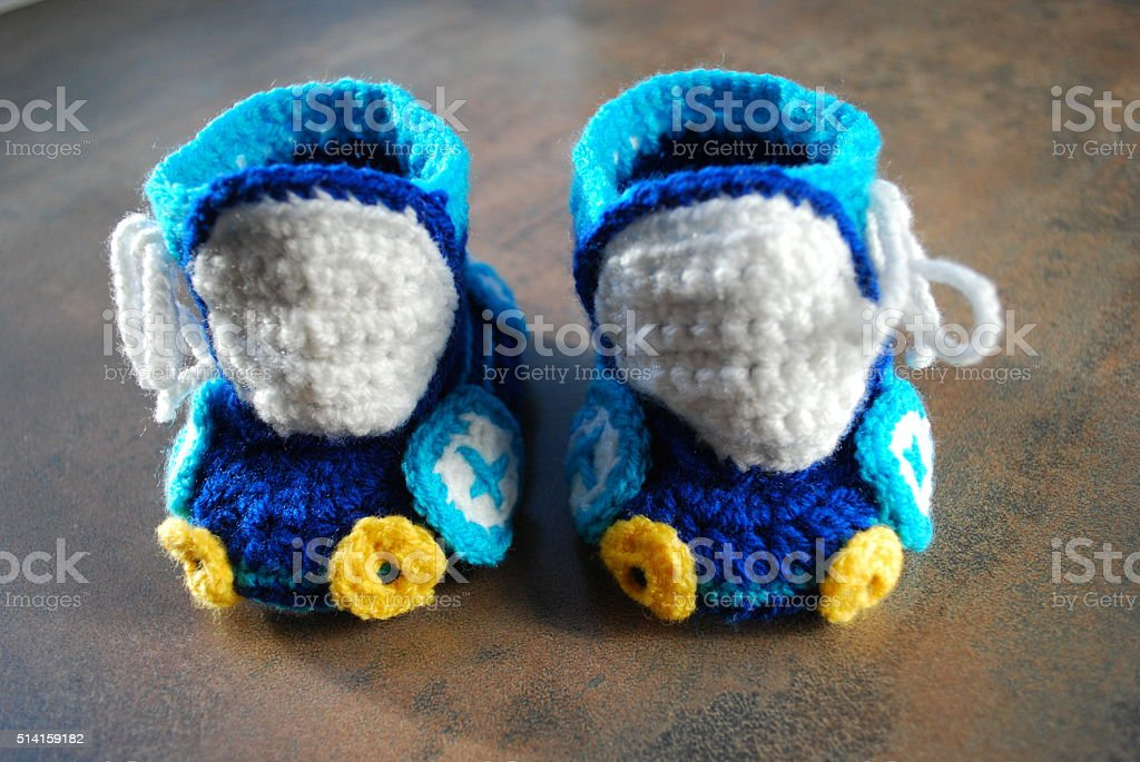 крючком младенцев кроссовках для тренировок в первую очередь обувь