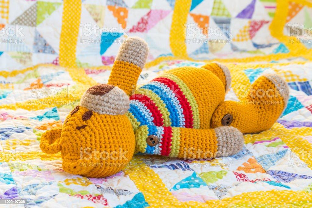 Crochet Sleep Tight Teddy Bear Blanket ( Free Pattern ) | BeesDIY.com | 682x1024