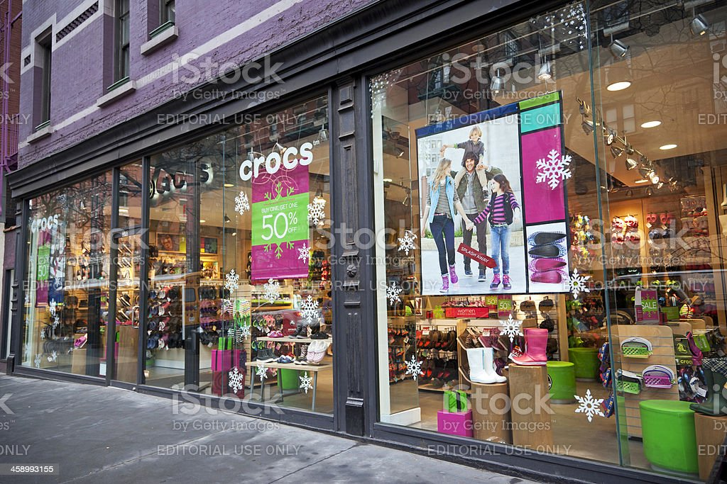 cc327b650 Photo de stock de Crocs Magasin De New York 2 Xxxl images libres de ...