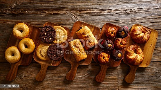 istock Croissant Muffin Cookie Bagel and Neapolitan 921817870