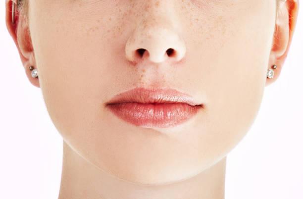 Recadrée close-up de la bouche fermée de la beauté naturelle - Photo