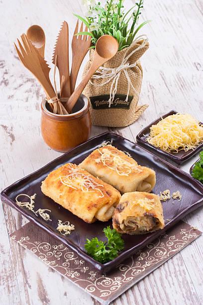 krokette - gebackene champignons stock-fotos und bilder