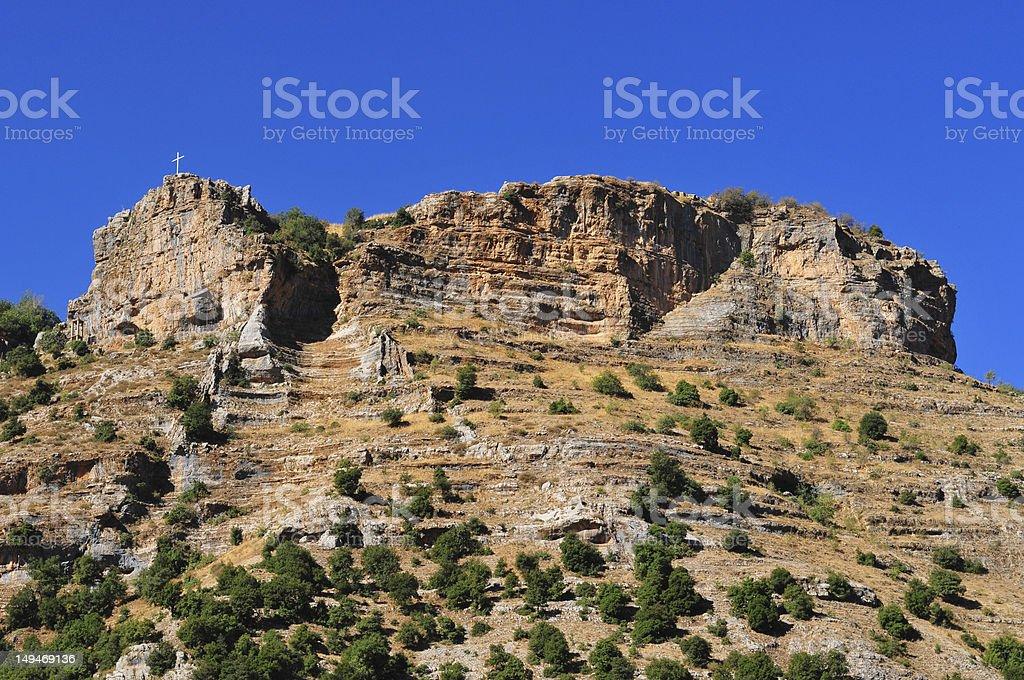 Cross und Mountain über Qadisha Valley in Lebanon – Foto
