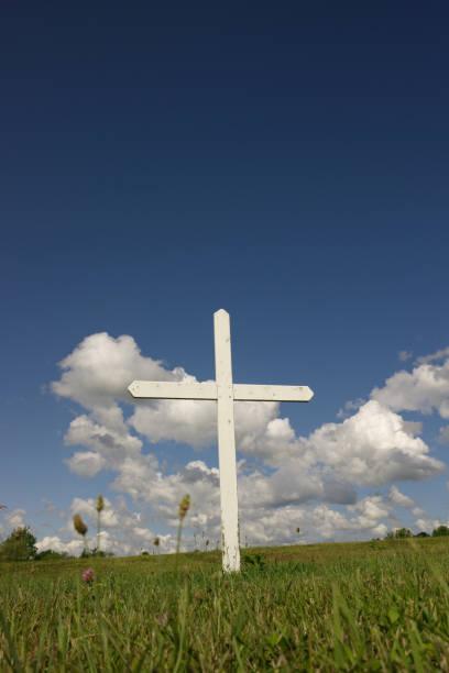 krzyż w polu - memorial day zdjęcia i obrazy z banku zdjęć