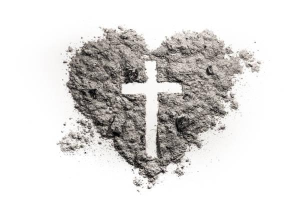 kreuz oder kruzifix im herzsymbol asche gemacht - taufe texte stock-fotos und bilder
