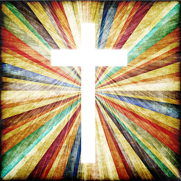 krzyż w świetle wałów.  faith symbol. - historycyzm zdjęcia i obrazy z banku zdjęć