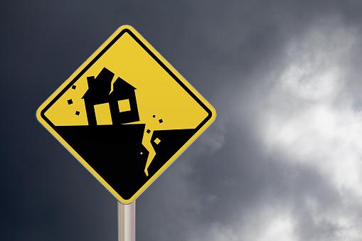 Crossing Sign Earthquake - Fotografie stock e altre immagini di Ambientazione esterna