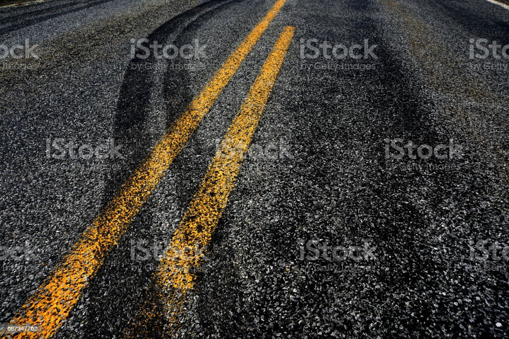 Crossing the Double Yellow!! - foto de stock