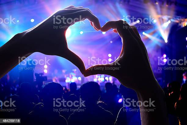Crowd of audience at concert picture id484259118?b=1&k=6&m=484259118&s=612x612&h=l1 skay50bfmhg3jf0zjiynzmj33kx8btgyhkug96mu=