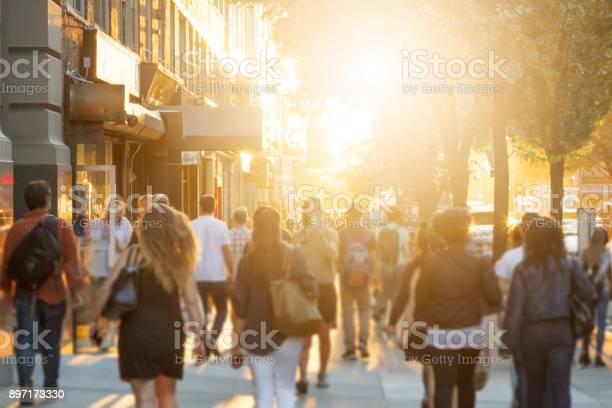 Crowd of people walking down sidewalk in manhattan new york city picture id897173330?b=1&k=6&m=897173330&s=612x612&h=2a5j9hwhumlzhh7k7fgdw1bzdtekwjmpb5oinarz bs=