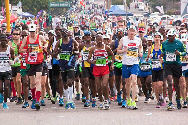 Masse der Läufer teilnehmenden in Liebe-Marathon – Foto