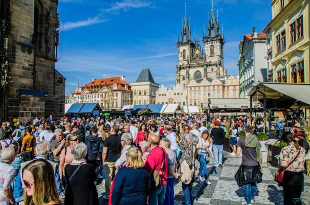 Massen von Touristen am Altstädter Platz – Foto