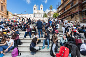 istock crowd of tourists on Spanish Steps in Rome 629229644