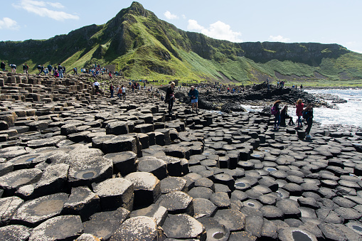 istock crowd of tourists to see Giant's Causeway 876441624