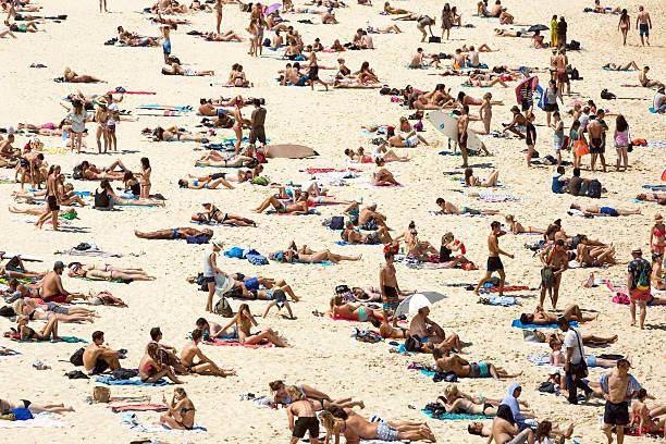 Top 60 Naked ljudje na plaži fotografij, slik in podob - Istock-1608