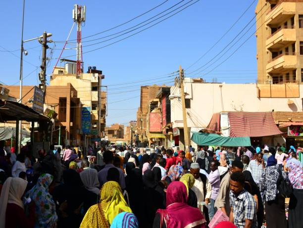 Crowds at Omdurman Market, Khartoum, Sudan Khartoum, Sudan: people at Omdurman Market omdurman stock pictures, royalty-free photos & images