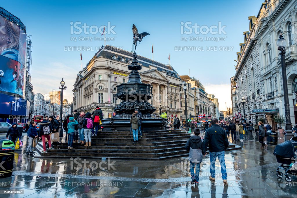 Crowds of people and tourists visiting picadilly circus stock photo