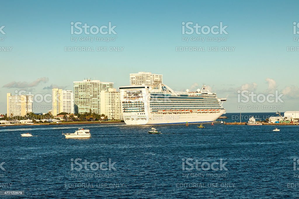 Cruise stock photo