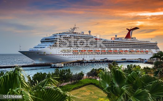 istock Cruise Ship in port 1013764998