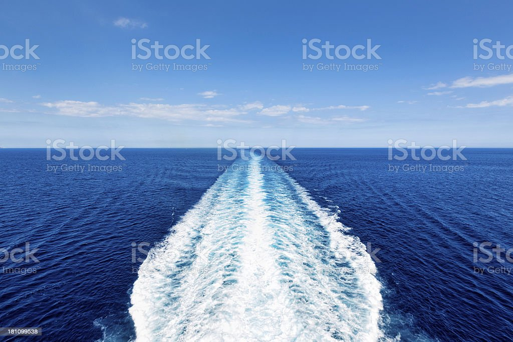 Cruise Ship Track With Calm Sea And Clear Sky Stock Photo IStock - Cruise ship locater