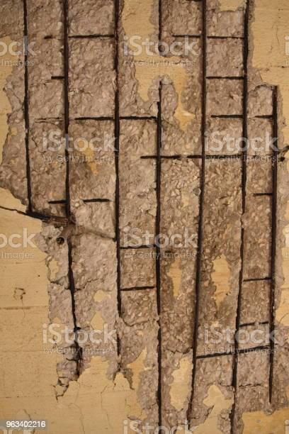 Rozpadająca Się Betonowa Ściana - zdjęcia stockowe i więcej obrazów Abstrakcja